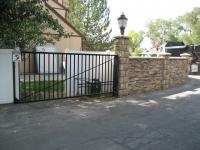 iron-anvil-gates-driveway-flat-basic-single-swing-01