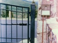 iron-anvil-gates-driveway-french-curve-2