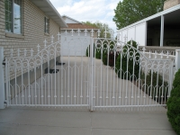 iron-anvil-gates-driveway-french-curve-balford-dennis-job-591-in-1992