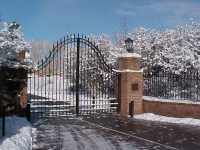 iron-anvil-gates-driveway-french-curve-wasatch-blvd-big-rock-2