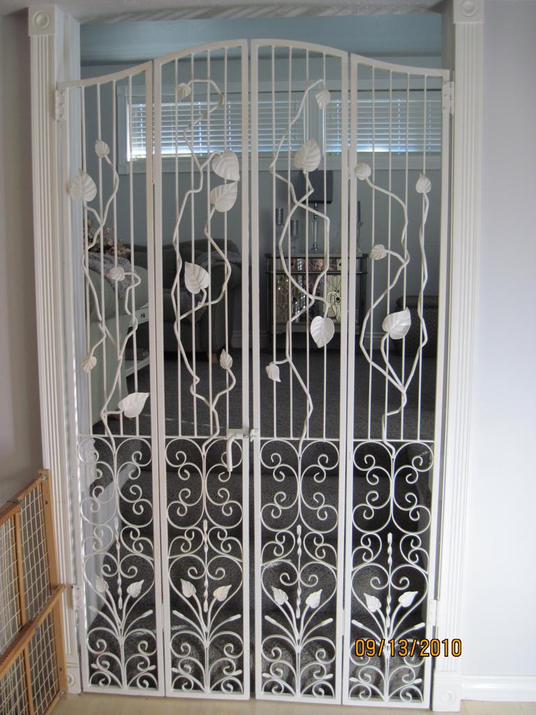iron-anvil-gates-man-arch-gracie-15052-cat-gate-1