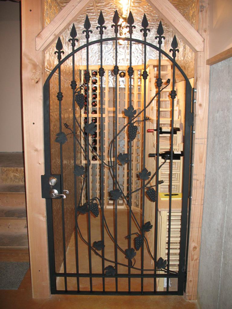 iron-anvil-gates-man-arch-wine-gary-snow-14520-6