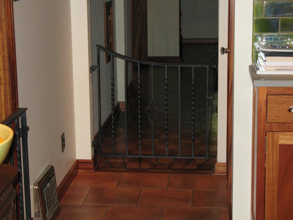 iron-anvil-gates-man-concave-top-lapine-13815-9
