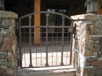 iron-anvil-gates-man-arch-london-boris-did-not-pay-park-city