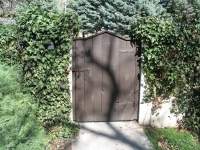 iron-anvil-gates-man-arch-walker-lane-wood