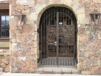 iron-anvil-gates-man-arch-yukon-flake-13888-2