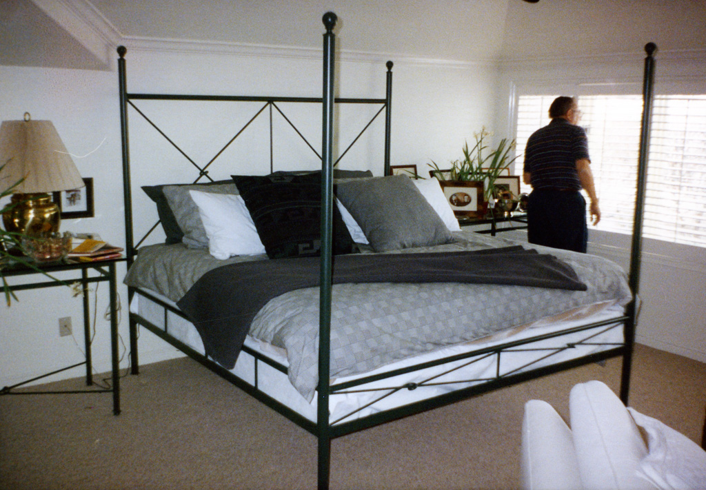 iron-anvil-other-items-furniture-bed-knot-frame-xx01-027