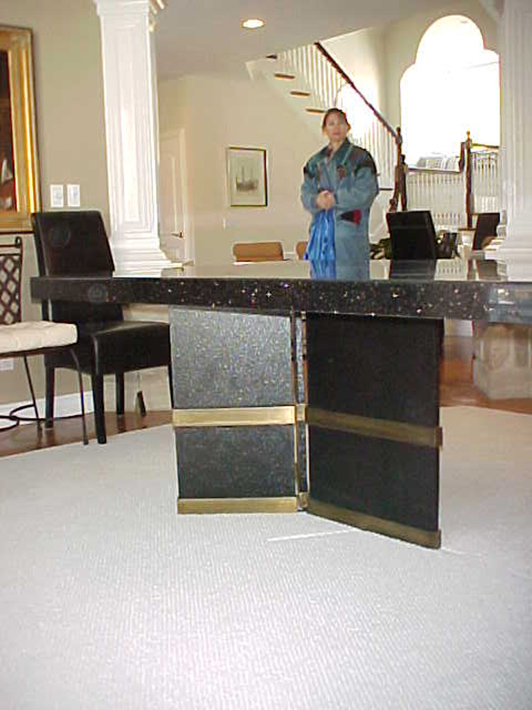 iron-anvil-other-items-furniture-tables-steel-base-with-brass-emigration-canyon-1-2-2