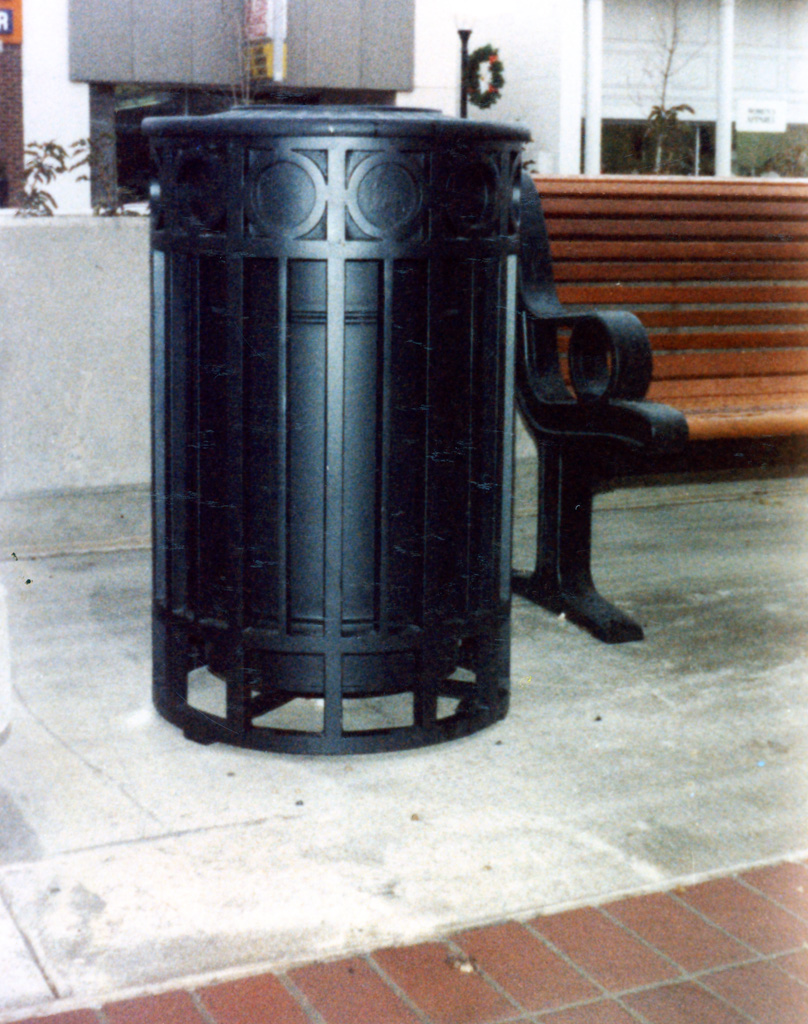 iron-anvil-other-items-misc-garbage-can-by-other-items-xx-xx09-017