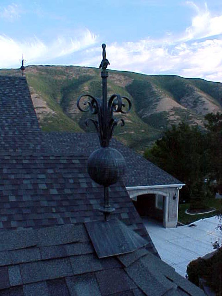 iron-anvil-other-items-roof-ornament-immigration-canyon-1-2
