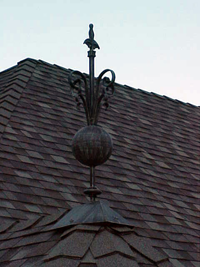iron-anvil-other-items-roof-ornament-immigraton-canyon-1