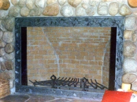 iron-anvil-other-items-fireplace-screen-border-alpine-066-3