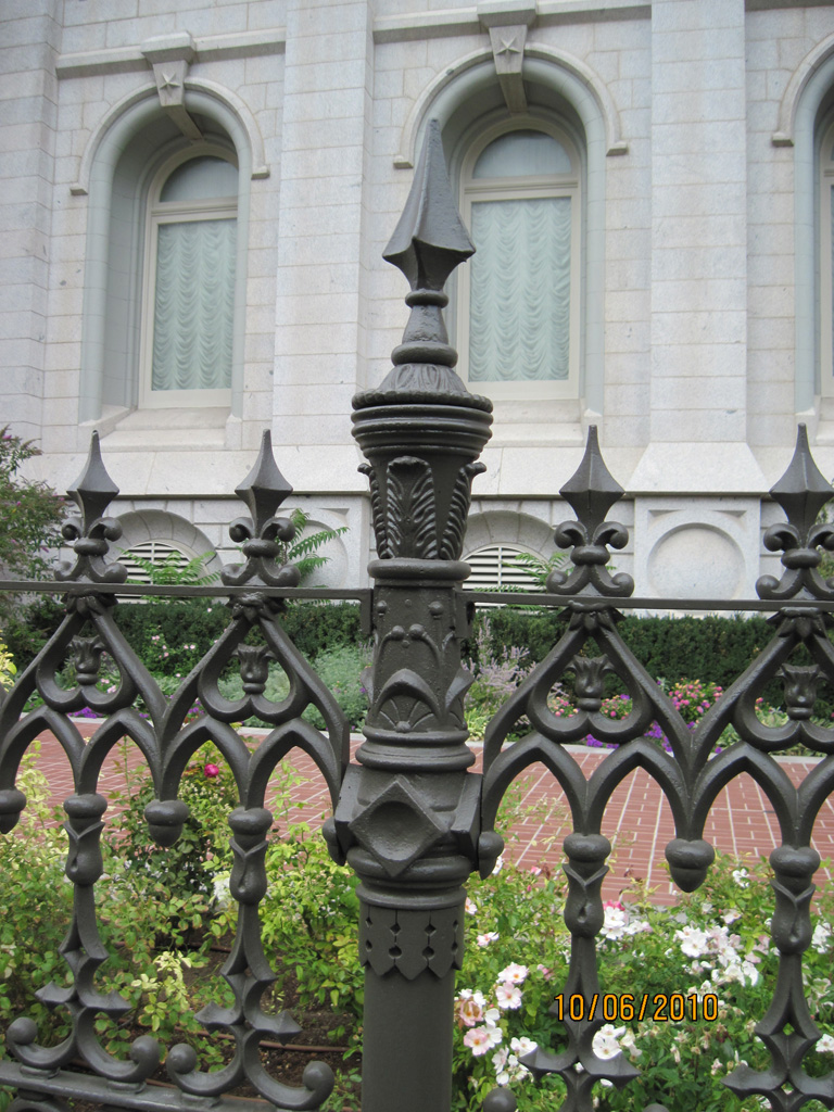 iron-anvil-railing-antiques-antique-fence-slc-temple-south-side-1