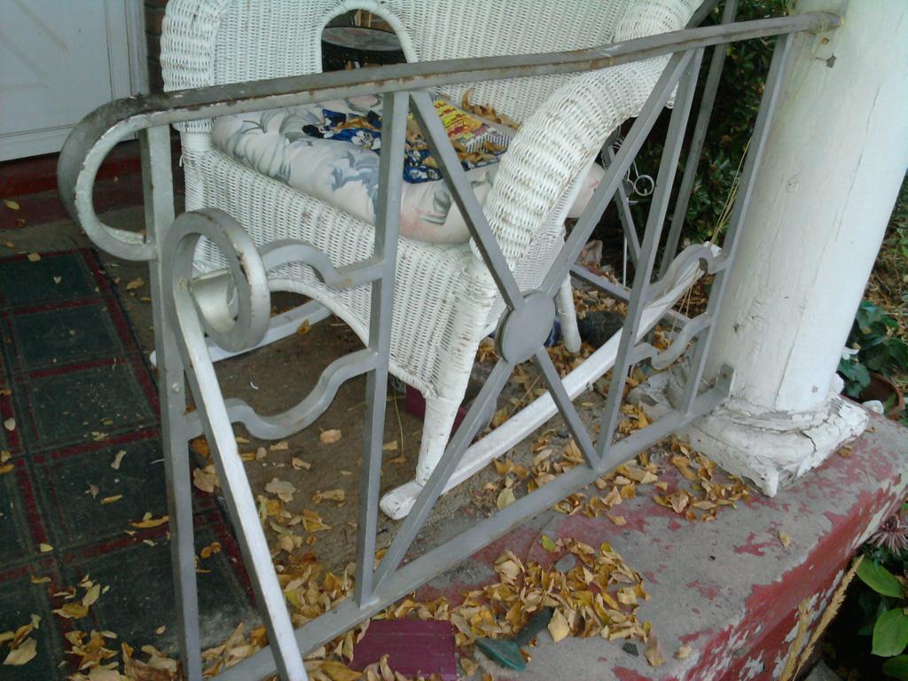 iron-anvil-railing-antiques-assist-15824-bryan