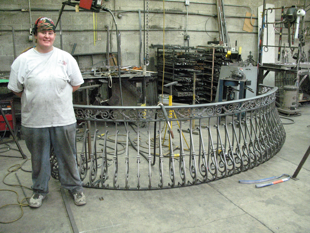 iron-anvil-railing-belly-rail-double-top-square-casting-hopkins-in-highland-5