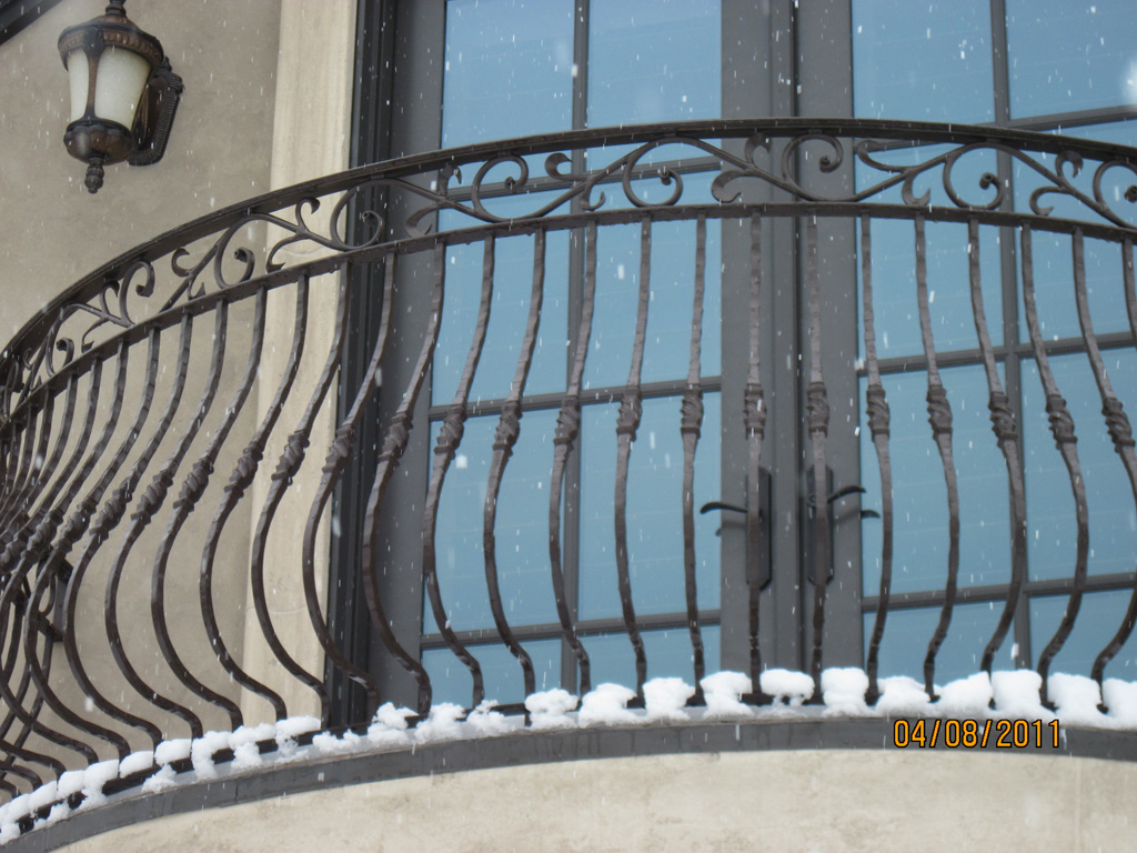 iron-anvil-railing-belly-rail-double-top-square-collars-steel