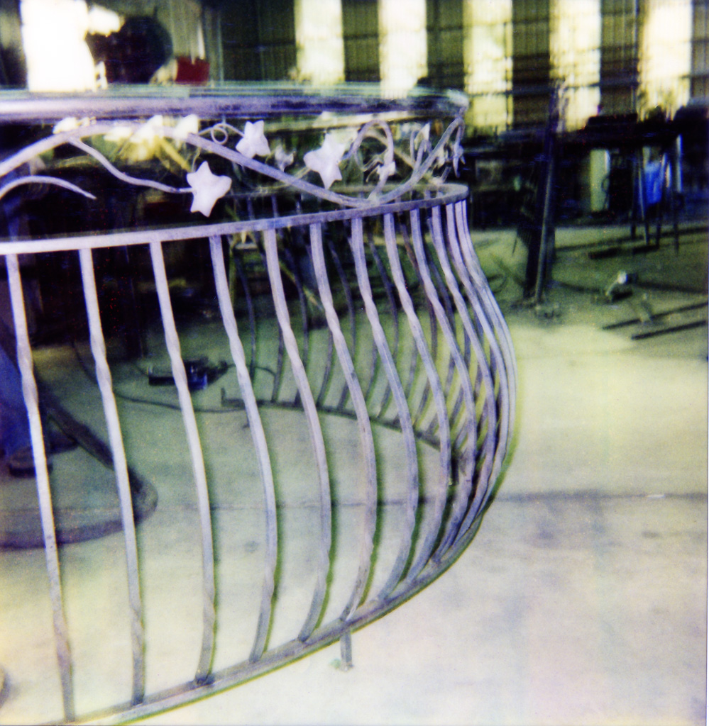 iron-anvil-railing-belly-rail-double-top-square-steel-vine-valance-29-1626