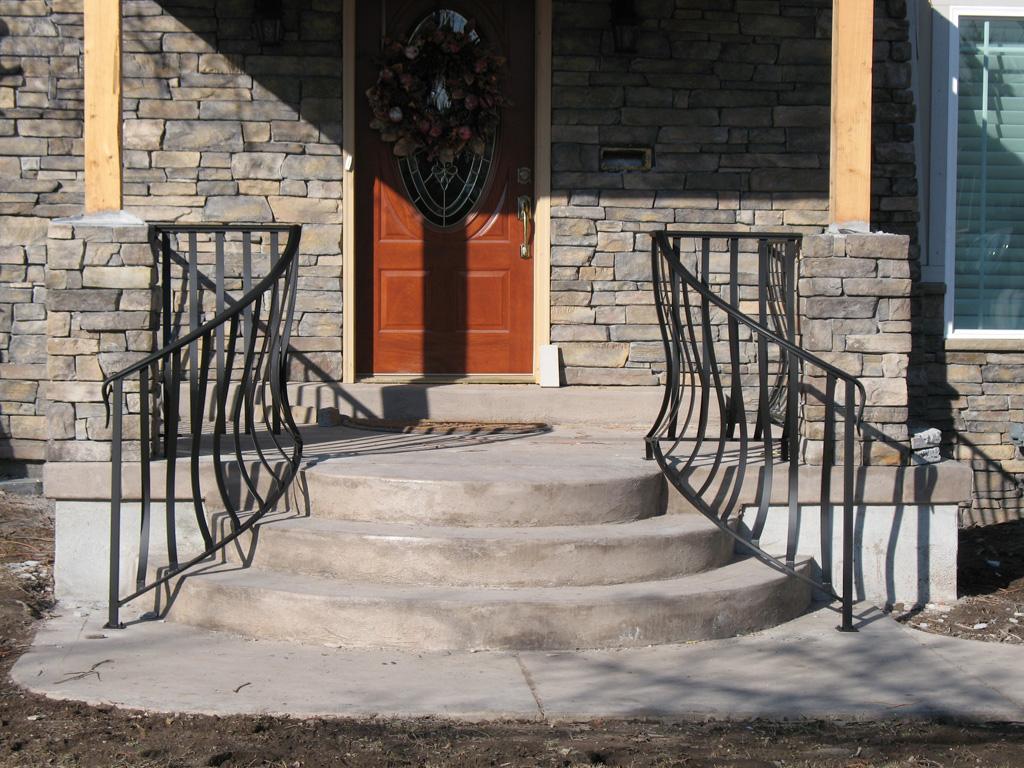 iron-anvil-railing-belly-rail-single-top-flat-bar-1300-east-1