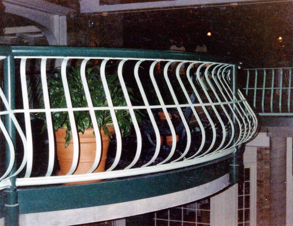 iron-anvil-railing-belly-rail-single-top-flat-bar-29-1607-trolley-square