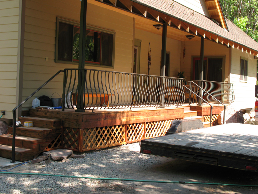 iron-anvil-railing-belly-rail-single-top-flat-bar-byrne-immigration-canyon-2
