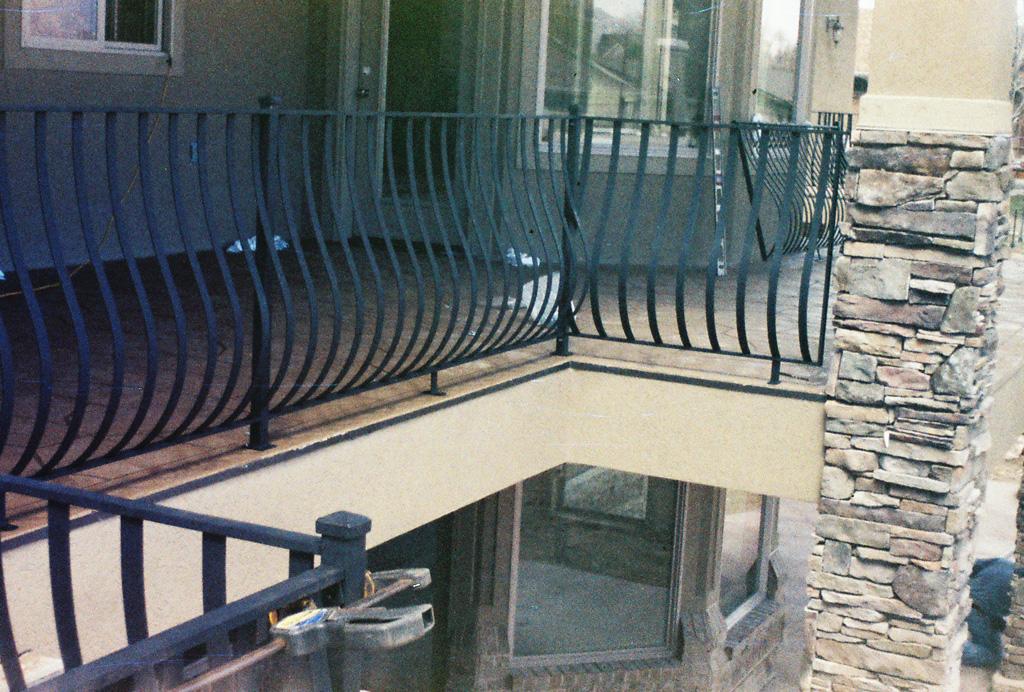 iron-anvil-railing-belly-rail-single-top-flat-bar-roy-moore-4