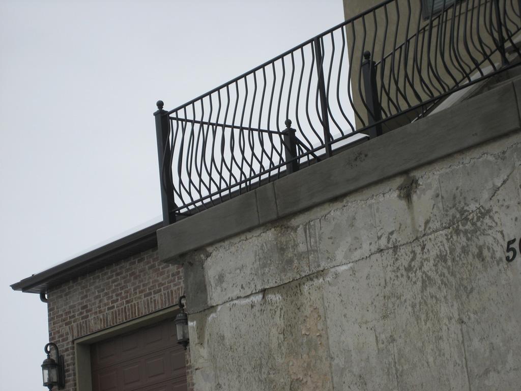 iron-anvil-railing-belly-rail-single-top-flat-bar-simplicity-belly-rail-1