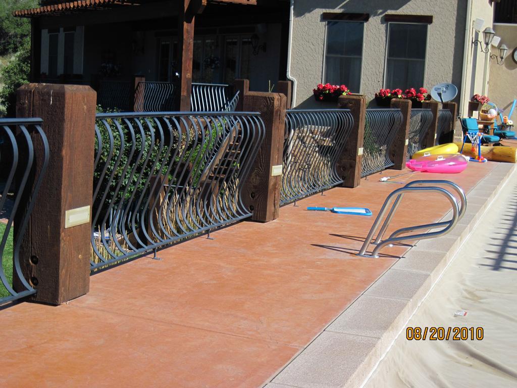 iron-anvil-railing-belly-rail-single-top-flat-bar-smolka-1