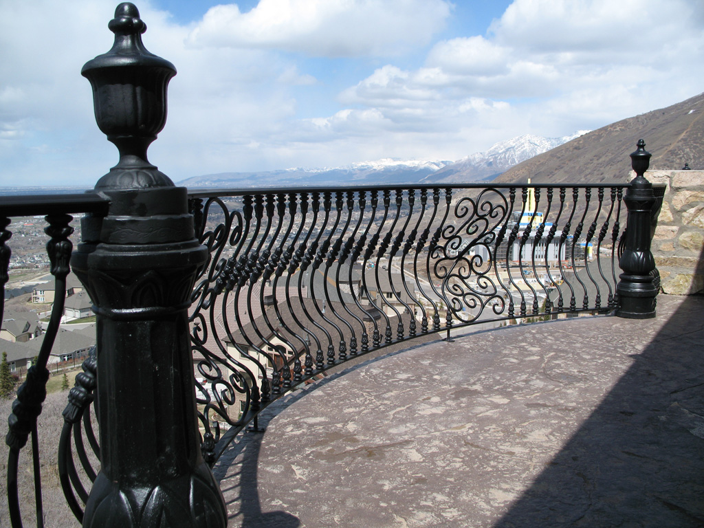 iron-anvil-railing-belly-rail-single-top-round-woolf-21
