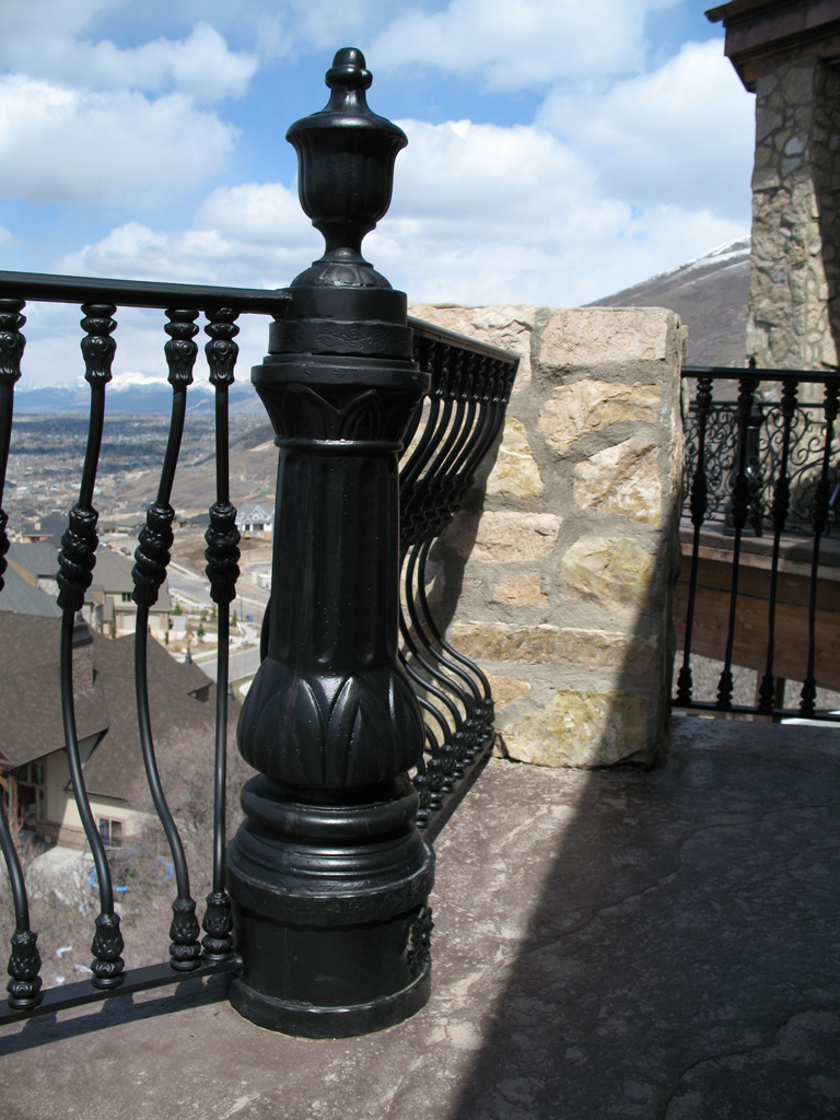 iron-anvil-railing-belly-rail-single-top-round-woolf-23