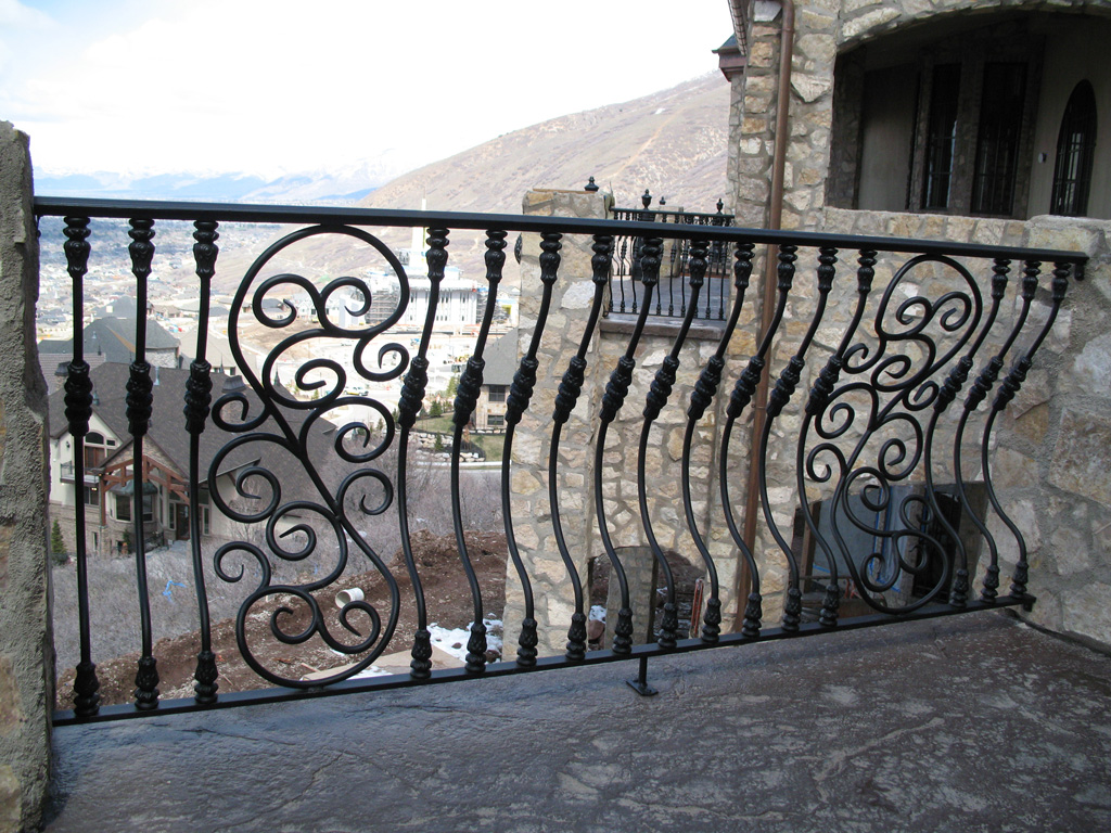 iron-anvil-railing-belly-rail-single-top-round-woolf-29