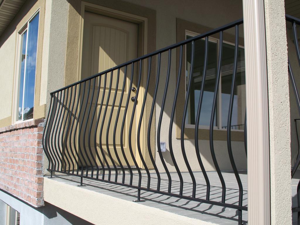 iron-anvil-railing-belly-rail-single-top-square-29-1619-gold-medallion-herriman-lot-110-8