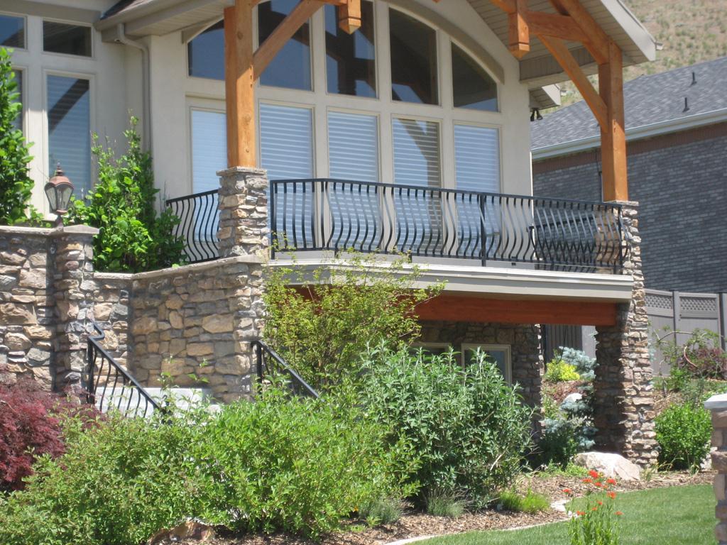 iron-anvil-railing-belly-rail-single-top-flat-bar-deck