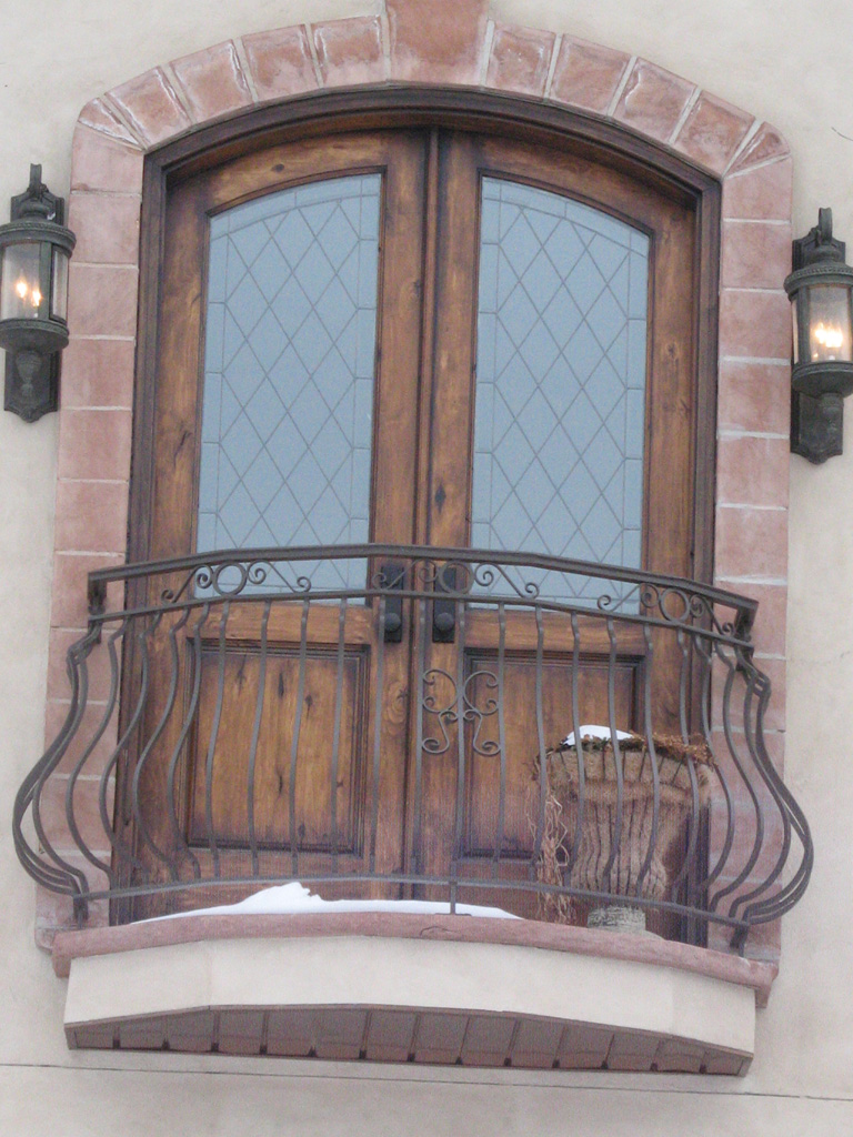 iron-anvil-railing-belly-rail-single-top-square-on-same-street-as-woolf-by-others