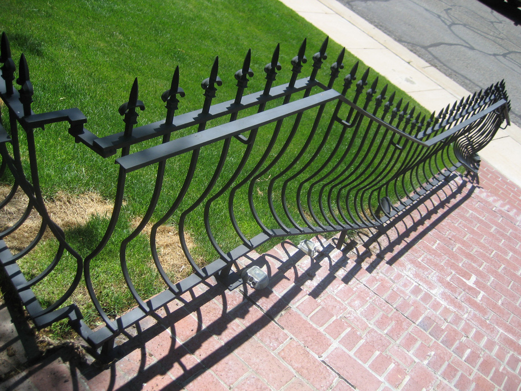 iron-anvil-railing-belly-rail-single-top-square-spear-29-1620-bennet-betty-penny-chandler-circles-a-3
