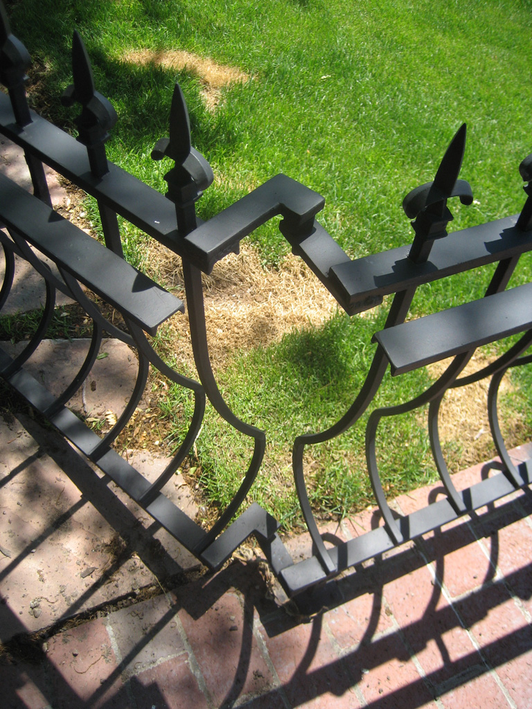 iron-anvil-railing-belly-rail-single-top-square-spear-29-1620-bennet-betty-penny-chandler-circles-a-5