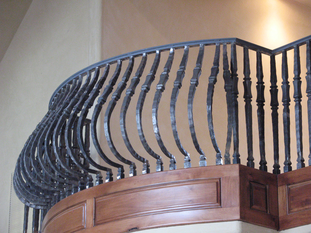 iron-anvil-railing-belly-rail-single-top-square-woolf-rail-by-others-2