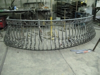 iron-anvil-railing-belly-rail-double-top-square-casting-hopkins-in-highland-4