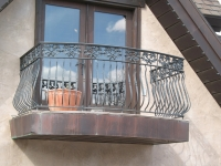 iron-anvil-railing-belly-rail-double-top-square-casting-yukon-redhawk-1-2