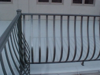 iron-anvil-railing-belly-rail-single-top-flat-bar-simplicity-belly-rail-smith-3