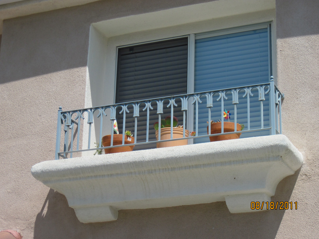 iron-anvil-railing-by-others-balcony-rail-by-tricia-and-troy-san-diego-by-others
