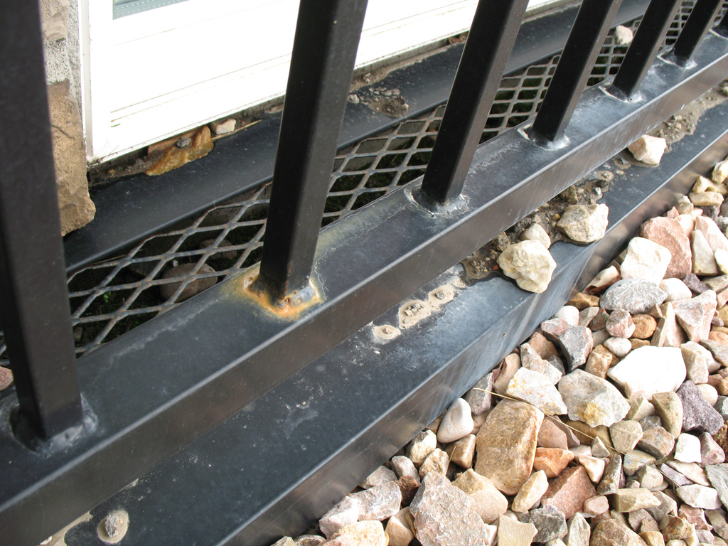 iron-anvil-railing-by-others-img-2892-4
