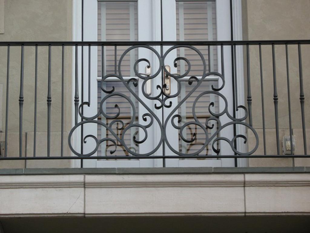 iron-anvil-railing-by-others-steve-johnson-aluminum-rail-1
