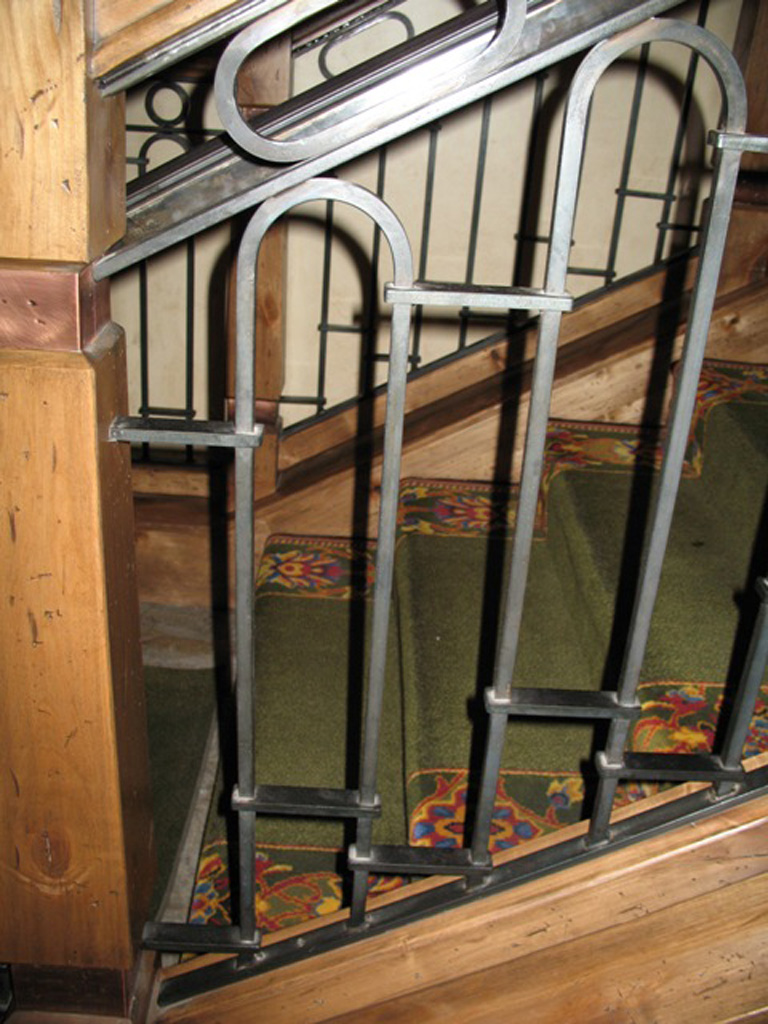 iron-anvil-railing-by-others-stien-erickson-lodge-1