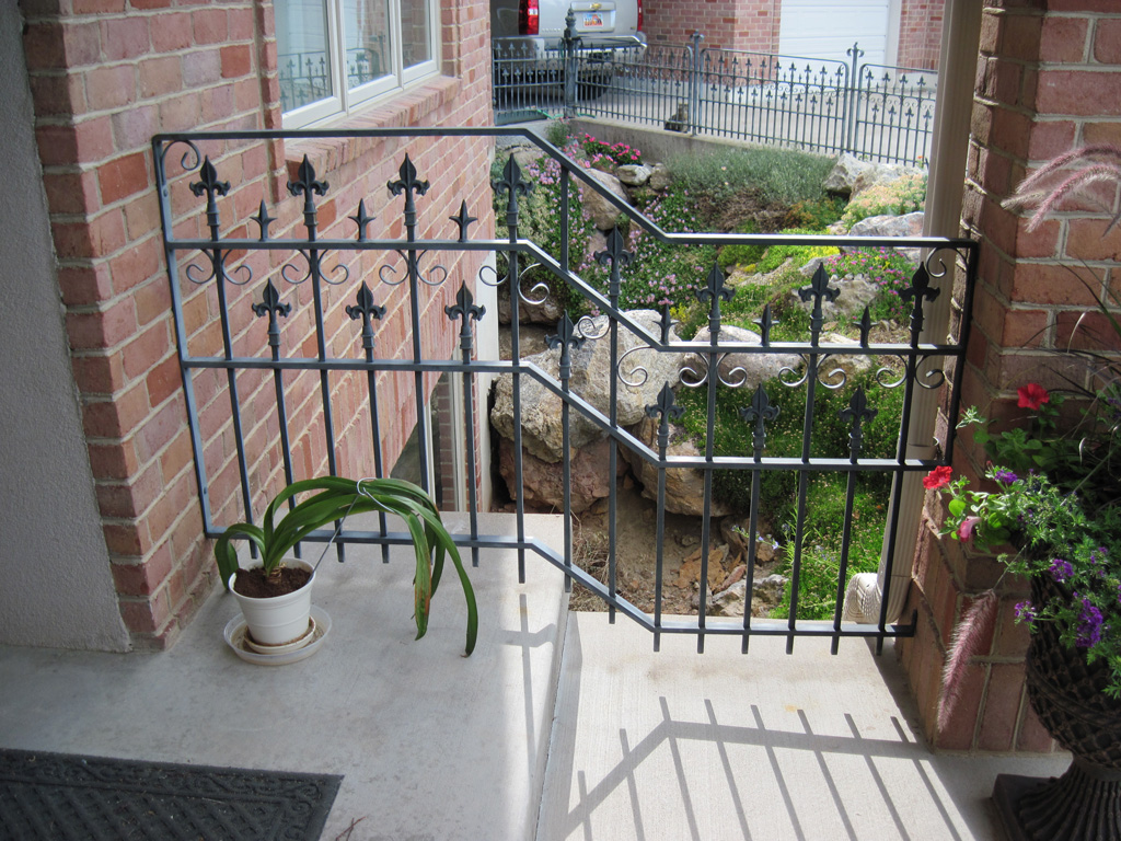 iron-anvil-railing-double-top-misc-spears-murray-anitque