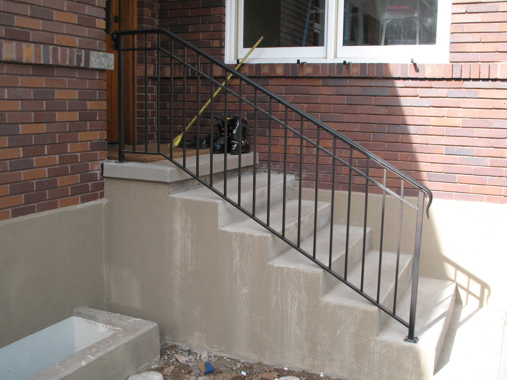 iron-anvil-railing-double-top-simple-gustafson-pynes-yale-ave-10-0915-1-2