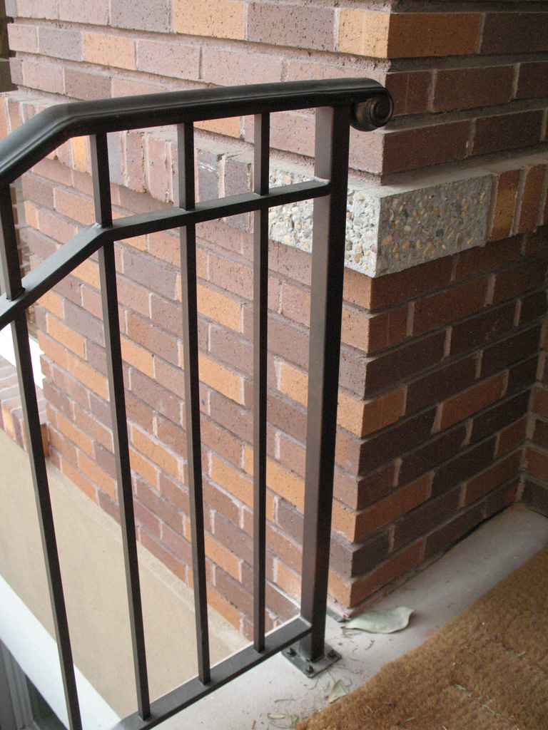 iron-anvil-railing-double-top-simple-gustafson-pynes-yale-ave-10-0915-1-3