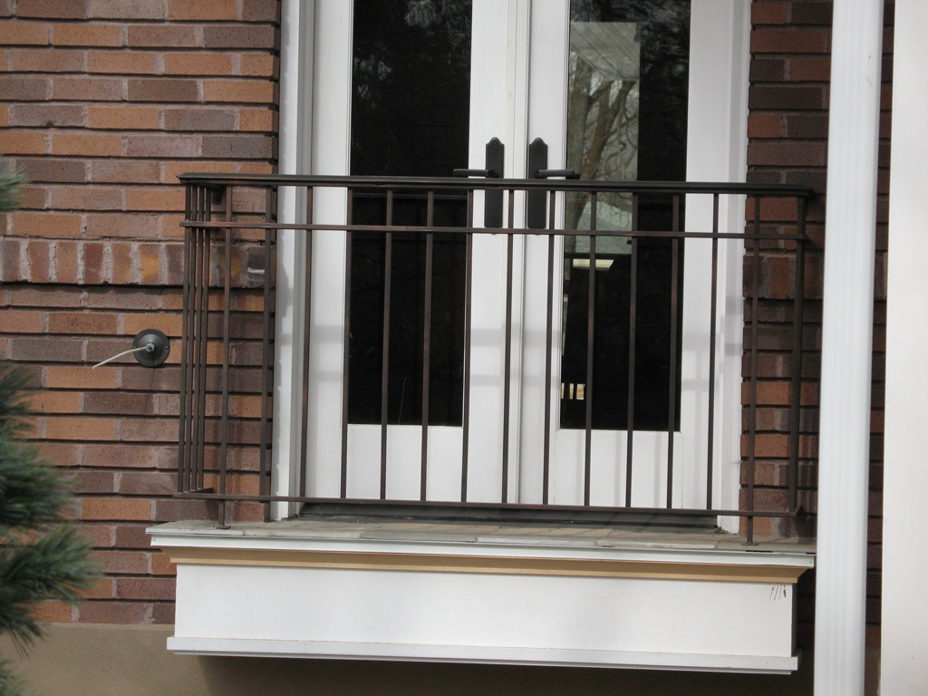 iron-anvil-railing-double-top-simple-gustafson-pynes-yale-ave-10-0915-1-4