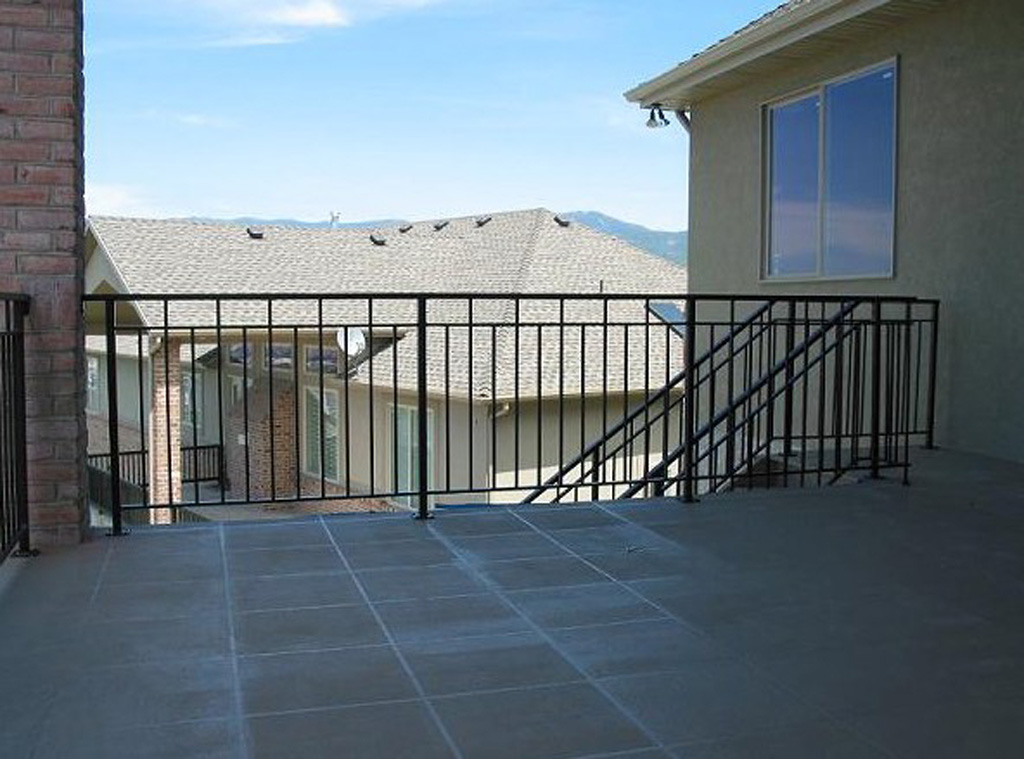 iron-anvil-railing-double-top-simple