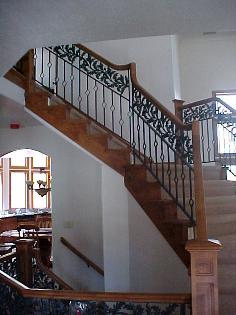 iron-anvil-railing-double-top-valance-casting-diamond-bountiful