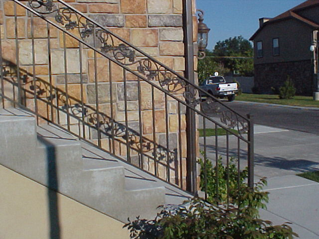 iron-anvil-railing-double-top-valance-casting-milky-hollow-rail-1-2-3